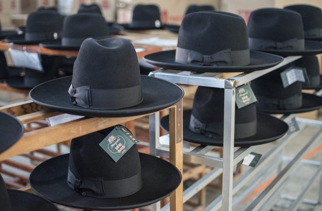 Cuando observamos a simple vista un sombrero bff5e5126ee